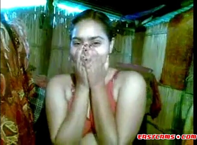 Cute Indian Girl expose her hot boobs 2